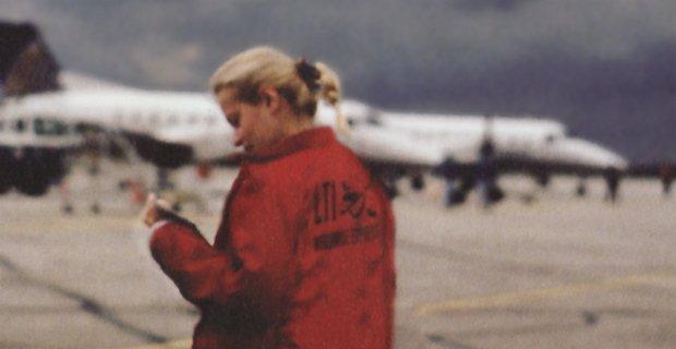 LTI Mitarbeiterin am Flughafen