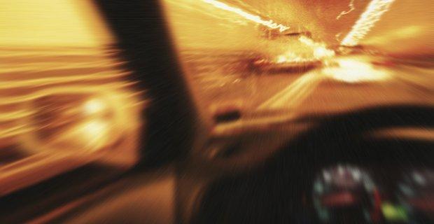 Transporter bei schneller Fahrt